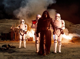 kylo-ren-amongst-the-smoldering-ruins-of-a-jakku-village-star-wars-the-force-awakens