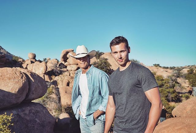 @rickedwards333 and #director @justin_macgregor take a moment to enjoy the boulder views ahead of a day of shooting in the #desert. 🌵• See what they got up to in Best F(r)iends Volume 2, available On Digital + Demand, and on Blu-ray Combo Pack JANUARY 22. Pre-order the Blu-ray NOW! Link in the bio! 💿 • #BTS #behindthescenes #BestFriends #BestFriendsMovie #TheRoom #TheDisasterArtist #TommyWiseau #GregSestero #movie #film #Arizona #onset #setlife